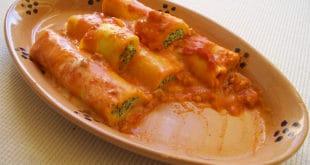 Ricetta di Rotolo di Ricotta e Spinaci al Pomodoro