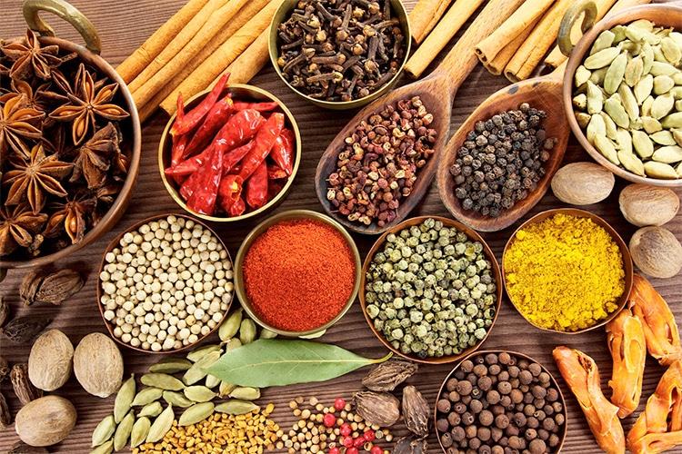 Come migliorare il metabolismo (e accelerarlo) con le spezie?