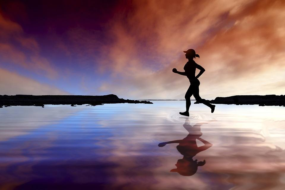 esercizi per bruciare i grassi su gambe e fianchi